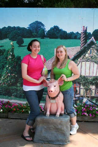 Emily and I share an affinity for pigs, so we were excited to find Babe!  (Also, check out my super dorky sneakers.. and the fact that I thought I was super overweight then... I would kill to look like that today!)
